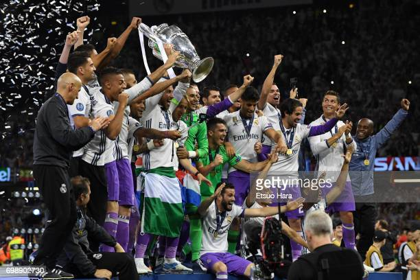 Real Madrid players celebrate after the UEFA Champions League final match between Juventus and Real Madrid at National Stadium of Wales on June 3...