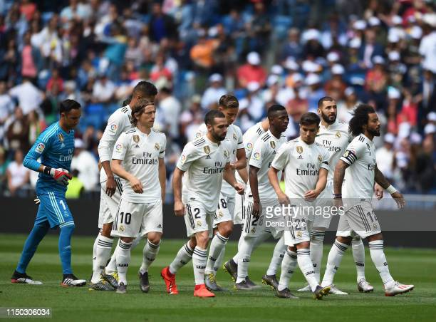 Real Madrid players get ready for the start of the La Liga match between Real Madrid CF and Real Betis Balompie at Estadio Santiago Bernabeu on May...