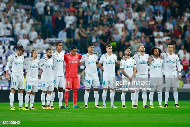 Real Madrid players observe one minute of silence in honor of Mexico erathquake victims at Estadio Santiago Bernabeu prior to start the La Liga match...