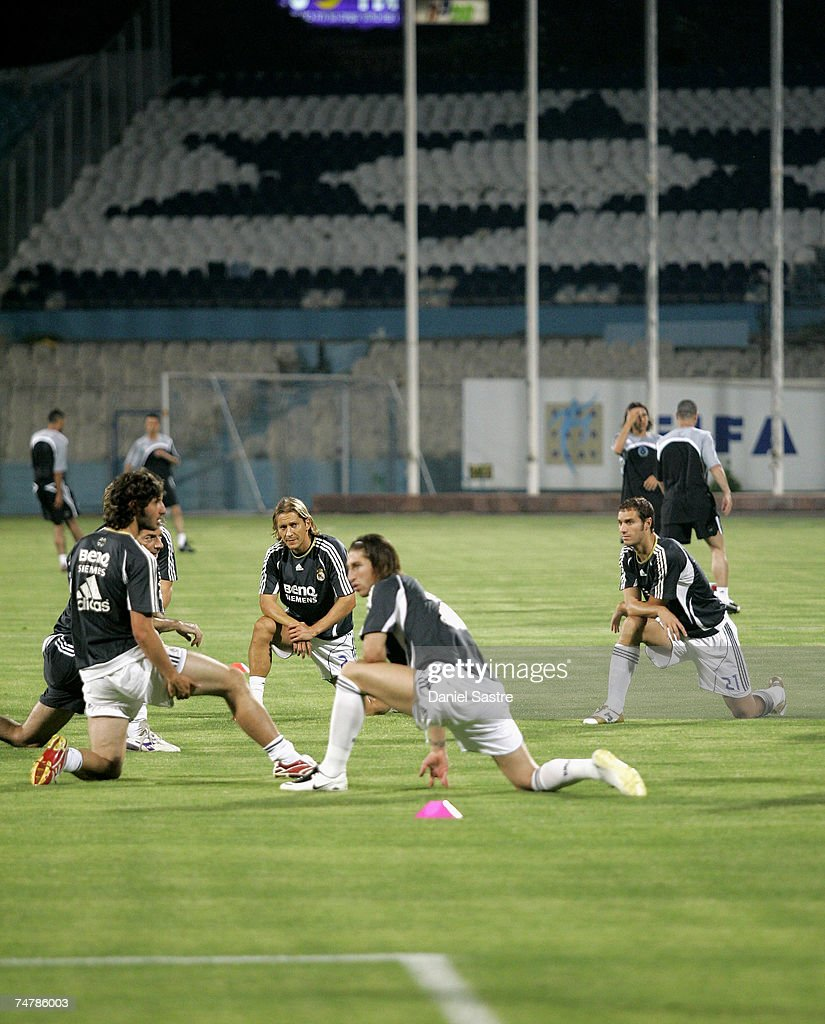 Real Madrid players warm up before a friendly match between Real Madrid and Palestinian & Israeli XI at the Ramat Gan stadium on June 19, 2007 in Tel Aviv, Israel