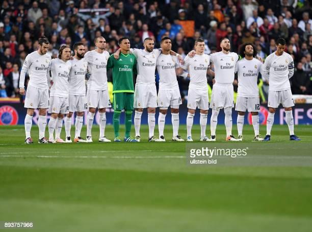 FUSSBALL Real Madrid VfL Wolfsburg Teambild Real Madridvor dem Spiel im Santiago Bernabeu Stadion in Madrid Gareth Bale Luka Modric Daniel Carvajal...