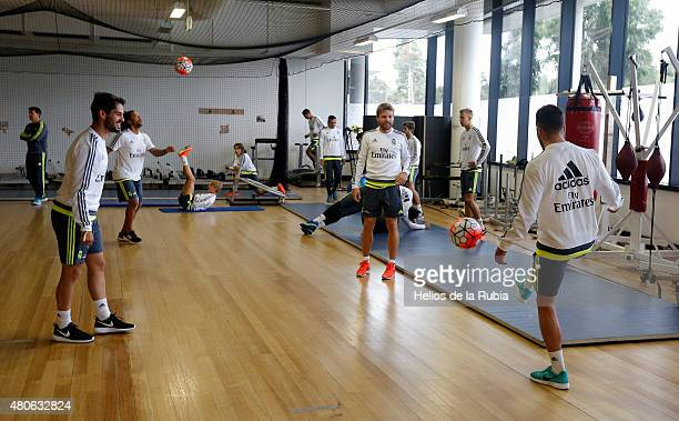 Real Madrid warm up during a training session at AAMI PARK training ground on July 14, 2015 in Melbourne, Australia.