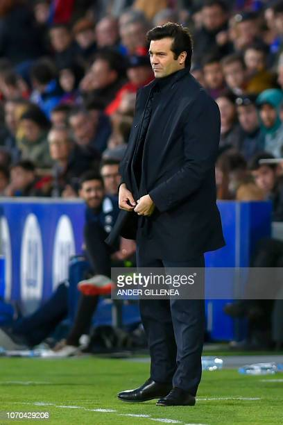 Real Madrid's Argentinian coach Santiago Solari looks on during the Spanish league football match between SD Huesca and Real Madrid CF at the El...