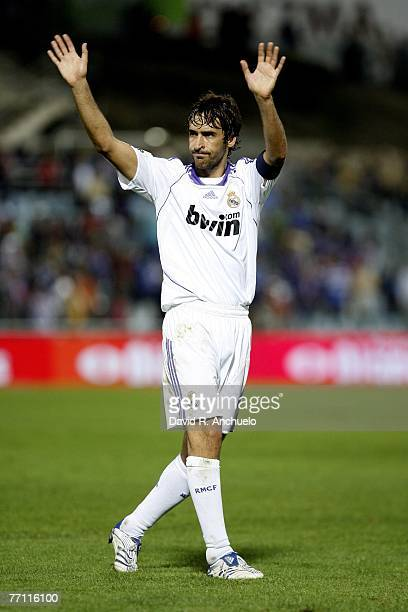 Real Madrid's captain Raul waves to the fans after the La Liga match between Getafe and Real Madrid at Coliseum Alfonso Perez stadium on September 30...