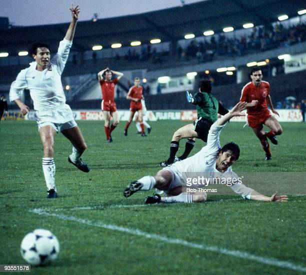 Real Madrid's Carlos Santillana appeals for a penalty during the European Cup Winners Cup Final against Aberdeen held at the Gamla Ullevi Stadium in...
