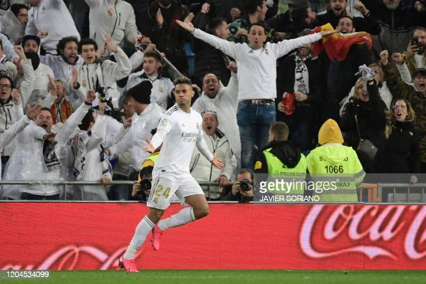 Real Madrid's Dominicans forward Mariano Diaz celebrates his goal during the Spanish League football match between Real Madrid and Barcelona at the...