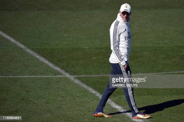 Real Madrid's French coach Zinedine Zidane attends a training session at the Valdebebas training facilities in Madrid on March 15, 2019.
