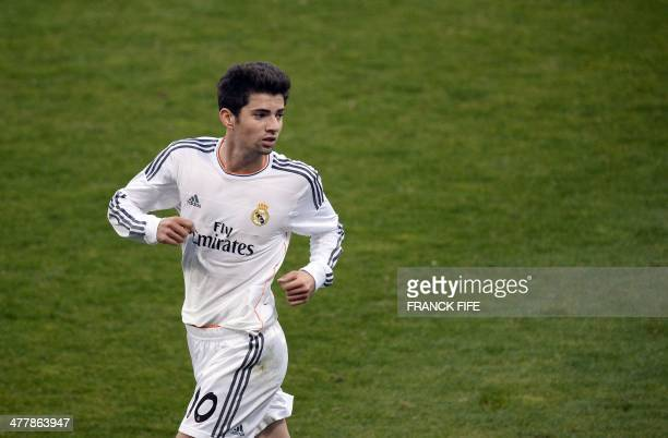 Real Madrid's French midfielder Enzo Zidane the 18yearold son of French legend Zinedine Zidane is pictured during the UEFA Youth League quarterfinal...