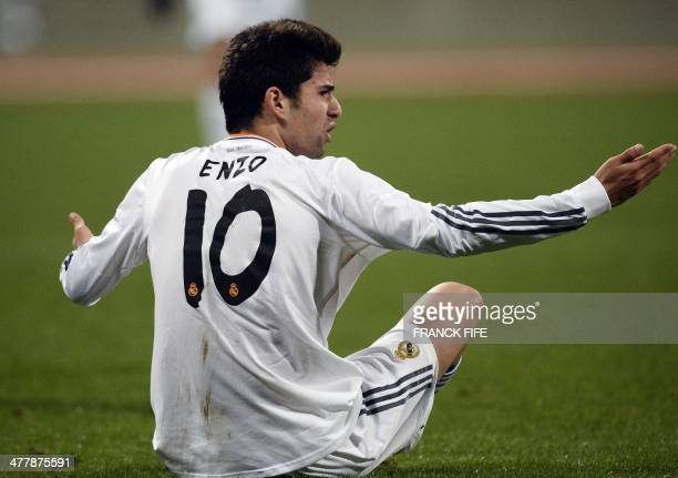 Real Madrid's French midfielder Enzo Zidane the 18yearold son of French football legend Zinedine Zidane reacts during the UEFA Youth League...