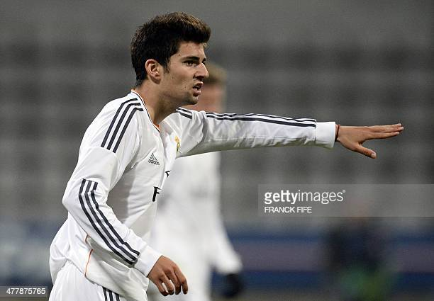 Real Madrid's French midfielder Enzo Zidane the 18yearold son of French football legend Zinedine Zidane gestures during the UEFA Youth League...