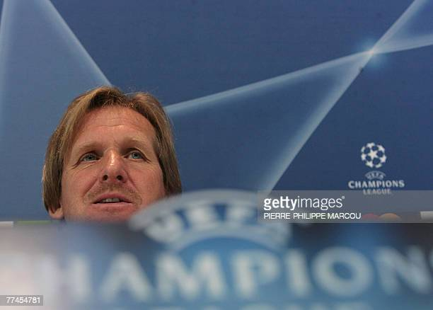 Real Madrid's German coach Bernd Schuster takes part in a press conference in Madrid 23 October 2007 on the eve of their Champions League football...