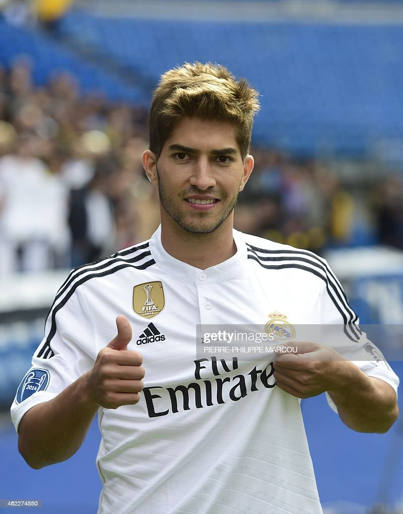 FBL-ESP-LIGA-REALMADRID-SILVA : News Photo