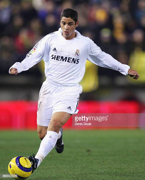Real Madrid's new signing Cicinho dribbles the ball during the Primera Liga match between Villarreal and Real Madrid at the Madrigal stadium on...