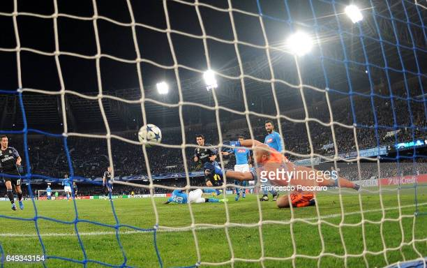 Real Madrids player Alvaro Morata scores the 31 goal during the UEFA Champions League Round of 16 second leg match between SSC Napoli and Real Madrid...