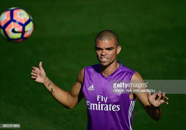 Real Madrid's Portuguese defender Pepe attends a training session at Valdebebas sport city in Madrid on August 20 2016 / AFP / PIERREPHILIPPE MARCOU