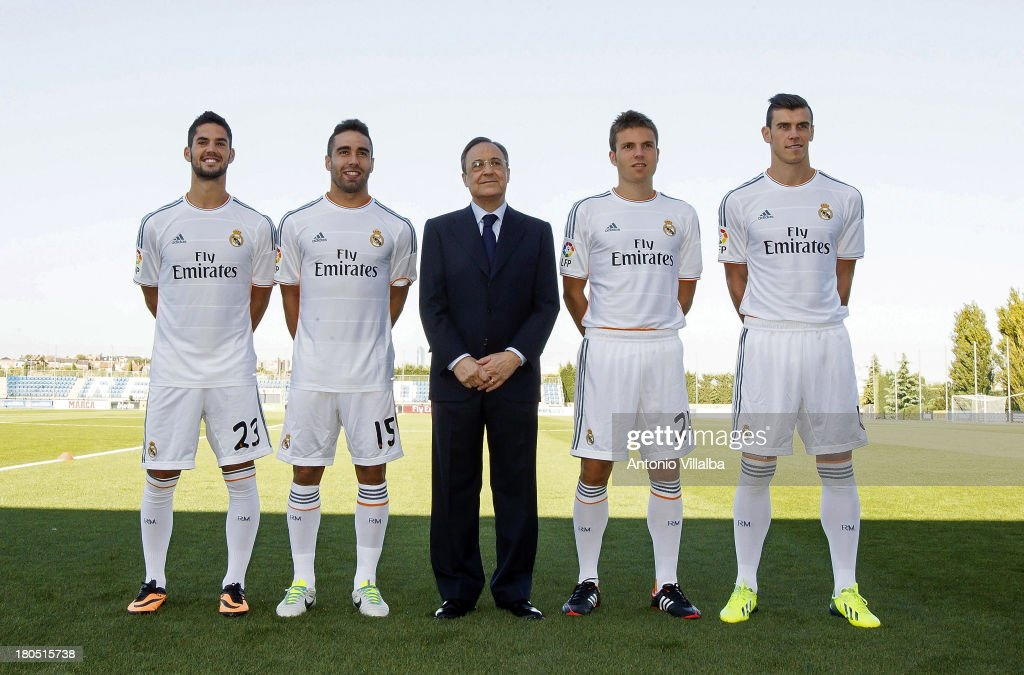 Real Madrid Official Team Photo Session : News Photo