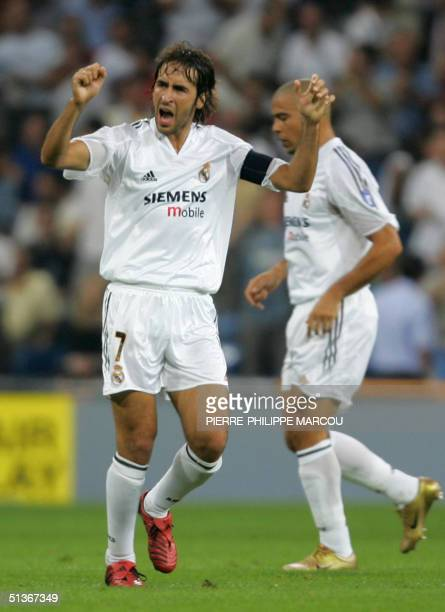 Real Madrid's Raul celebrates his goal against AS Roma during their Group B European Champions League football match in Madrid, 28 September 2004....
