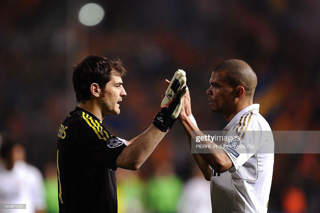 Real Madrid's Spanish goalkeeper Iker Ca : Foto jornalística