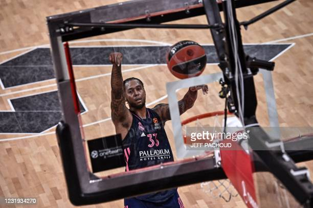 Real Madrid's US forward Trey Thompkins scores a free throw during the Euroleague basketball match between ASVEL Villeurbanne and Real Madrid at the...