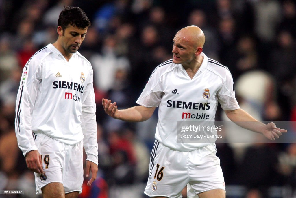 The unpopular opinion thread - Page 25 Real-madrids-walter-samuel-and-thomas-gravesen-talk-tactics-picture-id661105832