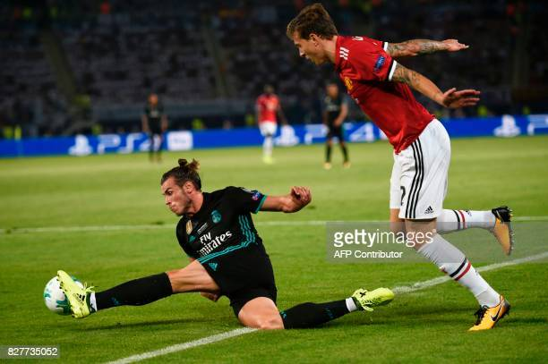 Real Madrid's Welsh forward Gareth Bale controls the ball during the UEFA Super Cup football match between Real Madrid and Manchester United on...