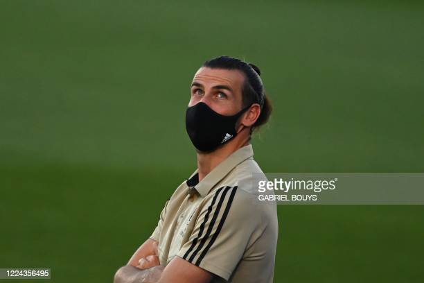 Real Madrid's Welsh forward Gareth Bale wears a face mask before the Spanish league football match Real Madrid CF against Getafe CF at the Alfredo di...