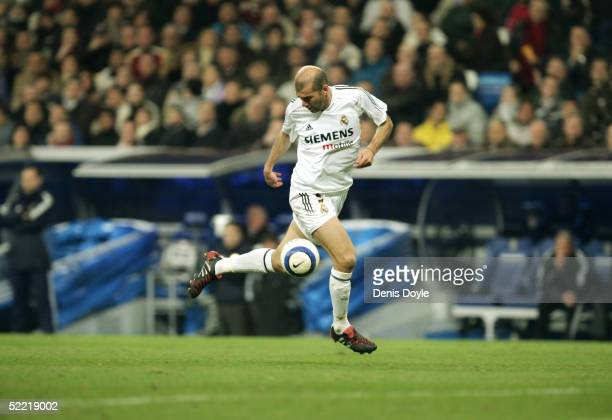 Real Madrid's Zinedine Zidane controls the ball during a La Liga soccer match between Real Madrid and Athletic Bilbao on February 19 2005 at the...