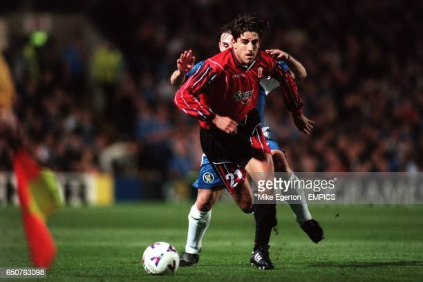 Real Mallorca's Veljko Paunovic tries to get away from Chelsea's Albert Ferrer