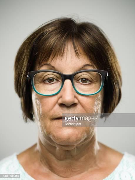 Wirklich ernste senior Frau Porträt