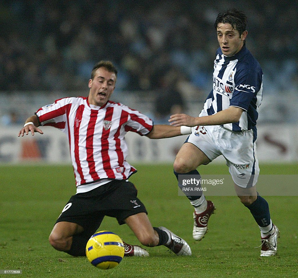 Real Sociedad Turk Nihat Kahveci vies with Athletic de Bilbao's... News  Photo - Getty Images