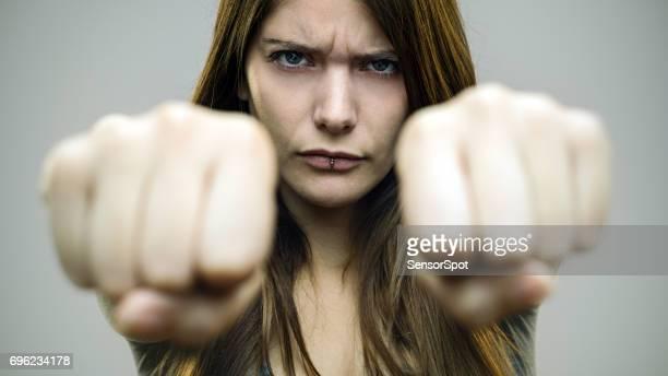 本物の女性の戦いの準備ができて