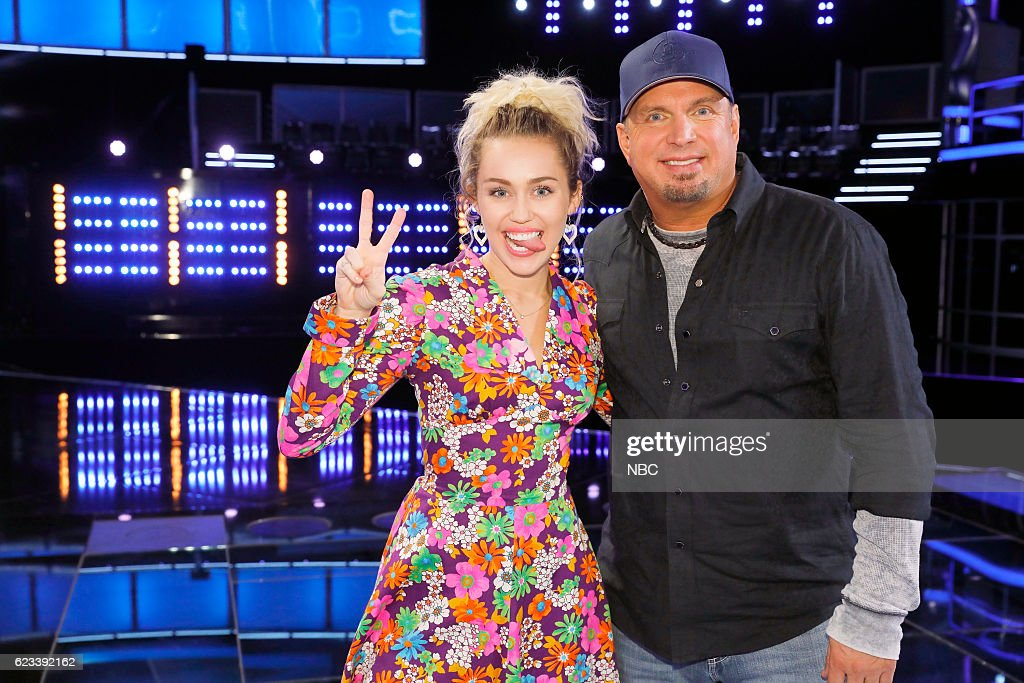 THE VOICE -- '1114 Reality' -- Pictured: (l-r) Miley Cyrus, Garth Brooks --
