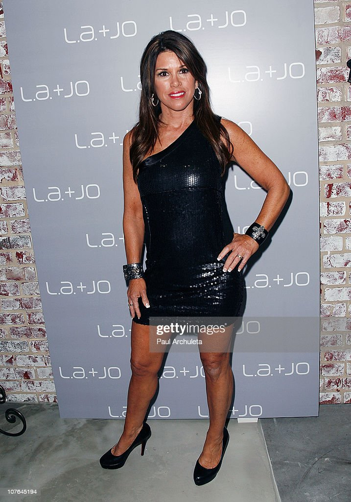 Reality TV Personality Lynne Curtin attends the opening of the L.a. & JO Store with The Real Housewives Of Beverly Hills/Orange County at L.a. & JO on December 16, 2010 in Santa Monica, California.