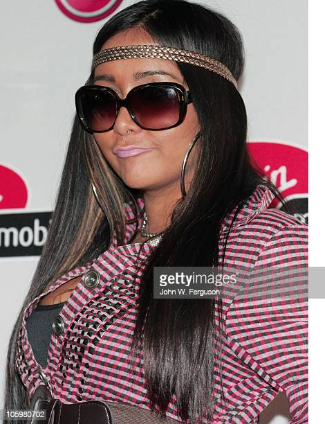 Reality TV personality Nicole Snooki Polizzi attends the Snooki rumors challenge>> at Westfield Garden State Plaza Mall on October 23 2010 in Paramus...