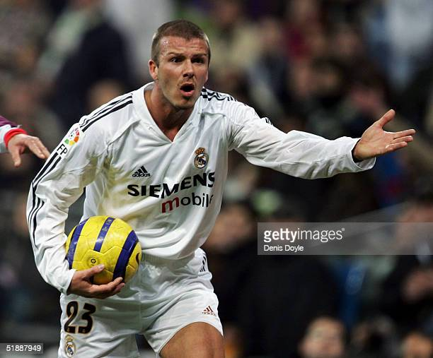 Real's David Beckham appeals to the linesman during the Primera Liga match between a Real Madrid and Sevilla at the Bernabeu on December 22 2004 in...