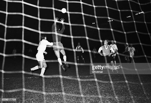 Real's goalkeeper Juan Alonso in action during the final of the first European Club Cup between Real Madrid and Stade de Reims