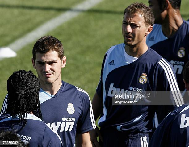 Real's goalkeepers Iker Casillas and Jerzy Dudek wartm up during a Real Madrid training session at Real's Valdebebas sports facility on July 22, 2007...