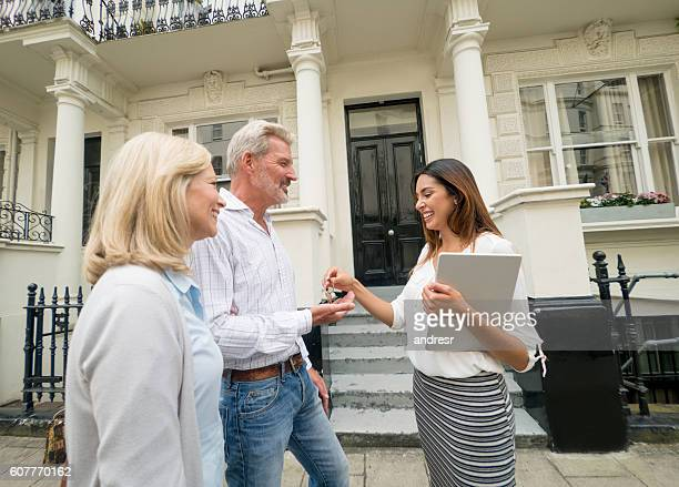 Realtor selling a house