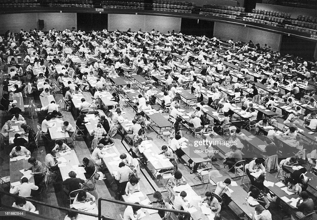 9-1978; Realtors - Colorado; Mob taking real estate exam in engineer Hall Aug. 1978.; : News Photo