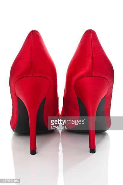 レッドのヒール靴