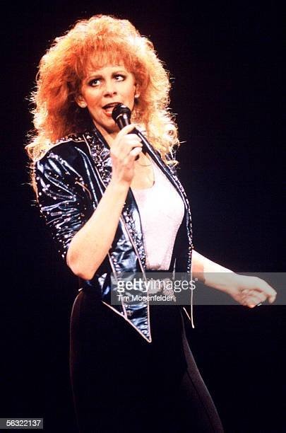 Reba McEntire performs at Shoreline Amphitheatre on April 13 1993 in Mountain View California