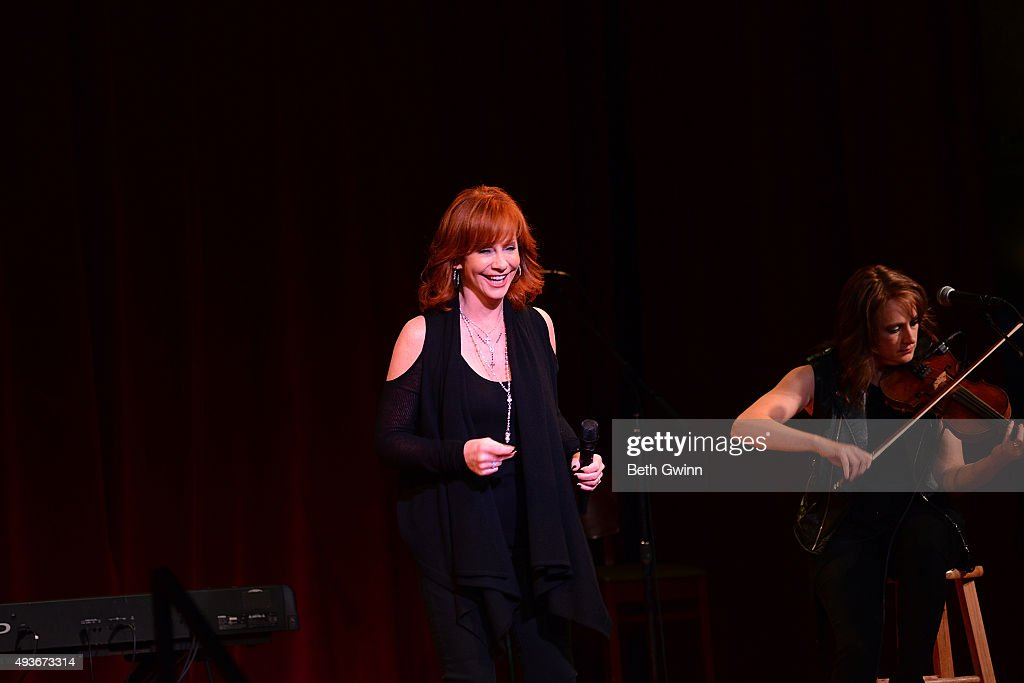 Reba McEntire preforms at the Musicain's on Call at City Winery Nashville on October 21, 2015 in Nashville, Tennessee.