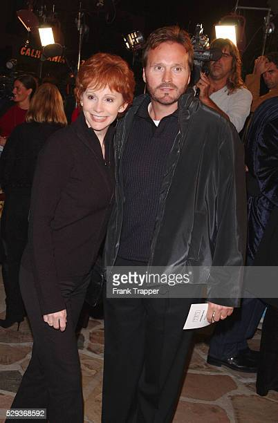"""Reba McIntire and her husband Narvel Blackstock arrive at the premiere screening of """"Shallow Hal."""""""