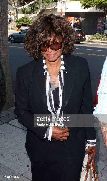 Rebbie Jackson arrives at the Los Angeles courthouse for the Jackson vs AEG court case on July 19, 2013 in Los Angeles, California. The Jackson...