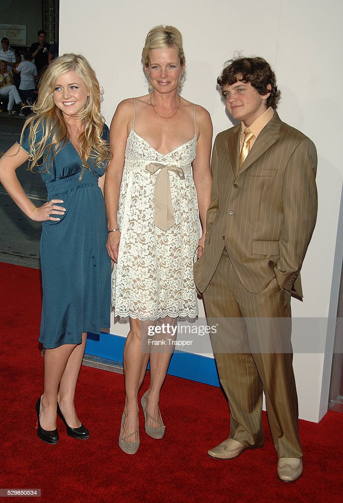 Rebecca Broussard And Daughter Loraine Nicholson And Son Raymond News Photo Getty Images Ray nicholson was born on february 20, 1992 in los angeles, california, usa as raymond broussard nicholson. https www gettyimages com detail news photo rebecca broussard and daughter loraine nicholson and son news photo 529850534
