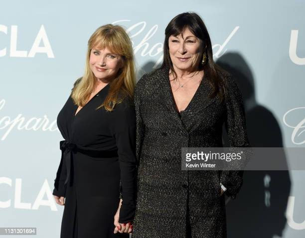 Rebecca De Mornay and Anjelica Huston attend the 2019 Hollywood For Science Gala at Private Residence on February 21, 2019 in Los Angeles, California.