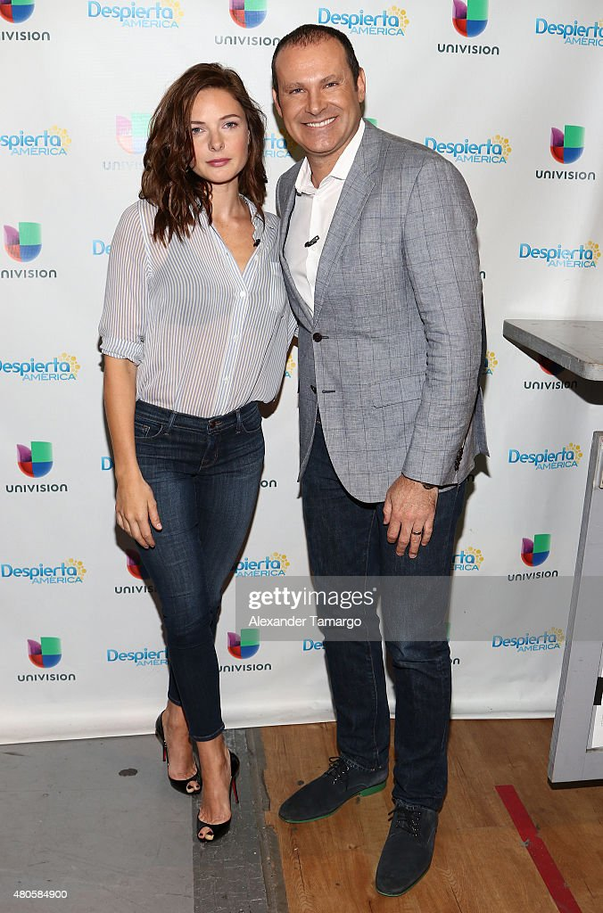 Celebrities On The Set Of Despierta America Photos and Images ...