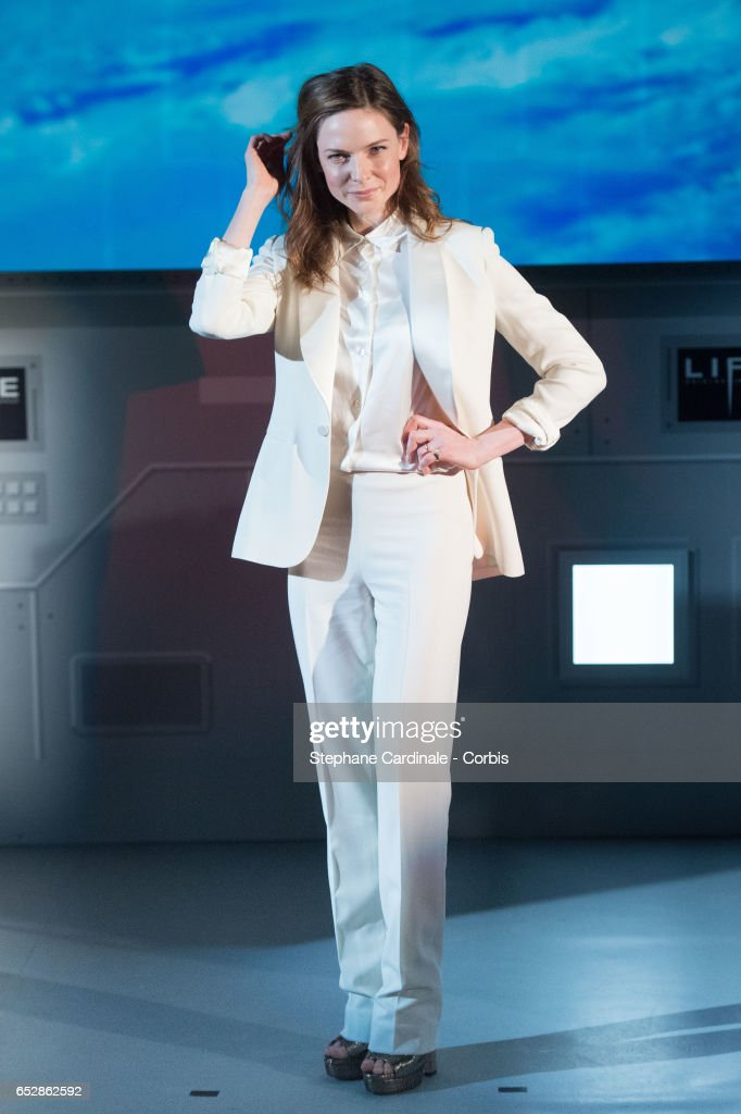 Rebecca Ferguson attends 'Life' Photo Call at Paris Planetarium on March 13, 2017 in Paris, France.