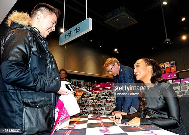 31 Rebecca Ferguson Signing At Hmv Liverpool Pictures