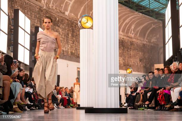 Rebecca Leigh Longendyke walks the runway during the Chloe Womenswear Spring/Summer 2020 show as part of Paris Fashion Week on September 26, 2019 in...